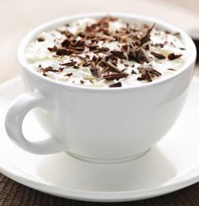 varm kakao med flødeskum