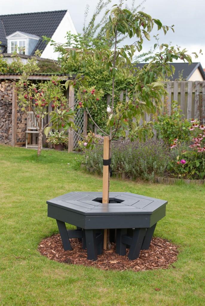 rund-havebænk-med-træ